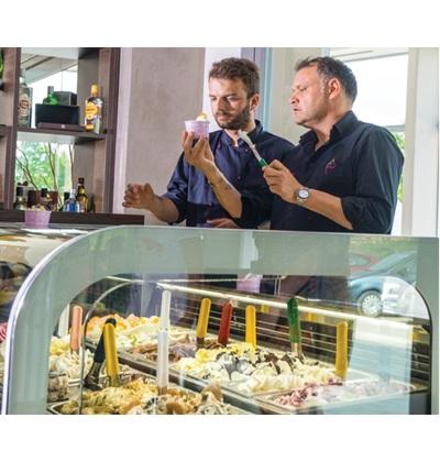 Εκπαίδευση από τον συνεργαζόμενο Ιταλό gelatiere