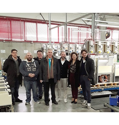 Φωτογραφία μαζί με τον ιδιοκτήτη Mr.Aristarco Andrea και τον τεχνικό στο εργοστάσιο της KASTEL